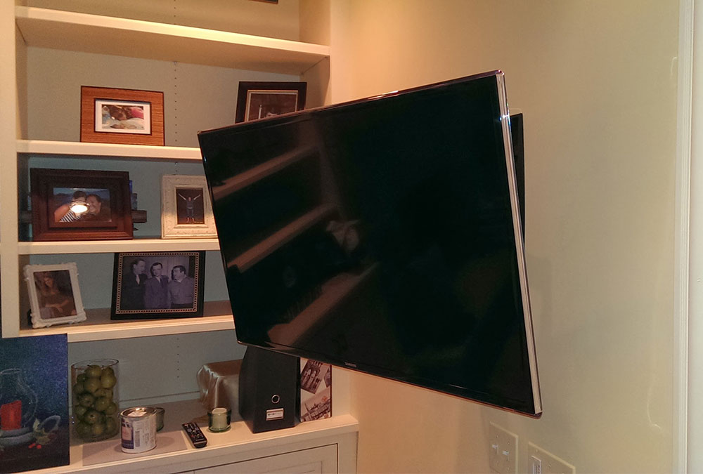In-Wall Flush TV Mounting with Universal Remote